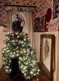 24 MANNEQUIN TREE DRESSES!   Grillo Designs