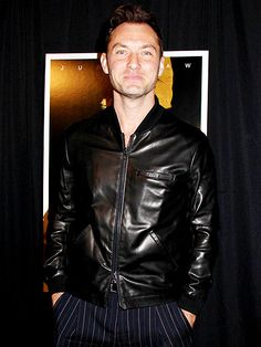 Star Tracks: Thursday, January 22, 2015 | ALL-BLACK EVERYTHING | Jude Law matches his wardrobe to his movie title at the premiere of The Black Sea in New York City on Wednesday.