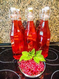 Rybízový sirup Marmelade Recipe, Czech Recipes, Home Canning, Mojito, Hot Sauce Bottles, Preserves, Lemonade, Pickles, Smoothie