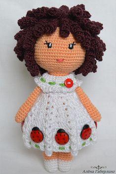 Бесплатный мастер-класс крючком по вязанию куклы Зары #схемыамигуруми #амигуруми #вязаныеигрушки #вязанаякукла #amigurumipattern #amigurumi #amigurumidoll #crochetdoll #crochetpattern #amigurumitoy