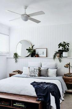 Bohemian bedroom and interior design ideas - Schlafzimmer - Bedroom Decor Minimalist Bedroom, Modern Bedroom, Master Bedroom, White Bedroom Walls, Contemporary Bedroom, Neutral Bedrooms, Minimalist Decor, Long Bedroom Ideas, Brown Carpet Bedroom