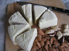 Almond Mozzarella Vegan Cheese If you think you can't give up dairy because you love cheese, try our nut cheese recipes. This one is made from almonds. It makes a lot of cheese. Non Dairy Cheese, Vegan Cheese Recipes, Nut Cheese, Vegan Foods, Vegan Dishes, Dairy Free Recipes, Raw Food Recipes, Vegan Vegetarian, Cooking Recipes