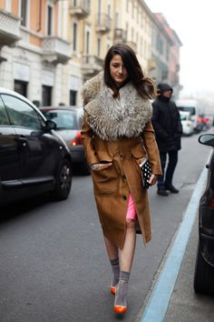 Via calivintage: Eleonora Carisi y sus calcetines Milan Men's Fashion Week, New Fashion Trends, Street Fashion, Cute Fashion, Look Fashion, Fashion Outfits, Funky Fashion, Soft Grunge, Indie