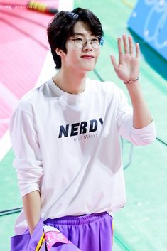 190107 daeyeol Woollim Entertainment, Korean Boy Bands, Golden Child, Dad Jokes, Boyfriend Material, Jaehyun, Pretty People, Cute Boys, My Girl