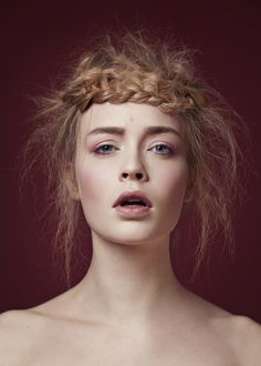 Renaissance Hairstyle Renaissance Hairstyles, Makeup Inspo, Hair Styles, Womens Fashion, Artist, Mood, Beauty, Hair Plait Styles, Hair Makeup