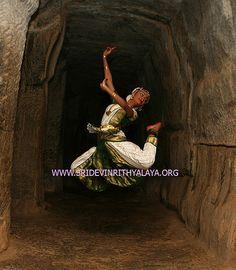 33bharatanatyam_dancer_bharata_natyam_bharatnatyam_bharathanatyam_classical_indian_dance_traditional_7546
