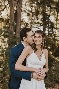 Wedding Poses, Wedding Photoshoot, Wedding Shoot, Wedding Bride, Wedding Photography With Kids, Focus Photography, Bride And Groom Pictures, Wedding Pictures, Engagement Couple