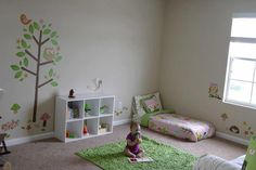 [gallery As the name implies, a floor bed is a bed on the floor. It is based on Montessori Method in which it allows children to explore their surroundings. Montessori Toddler Bedroom, Toddler Rooms, Baby Bedroom, Girls Bedroom, Toddler Floor Bed, Dispositions Chambre, Bedroom Design Inspiration, Bedroom Layouts, Kid Beds