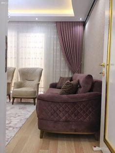 Bu göz alıcı İzmir evinin her detayı, mükemmeliyetçi ev sahiplerini ele veriyor. Living Room Sofa, Living Room Furniture, Living Room Decor, Home Decor Furniture, Home Furnishings, Furniture Design, Room Color Design, Drawing Room Furniture, Diy Home Decor For Apartments