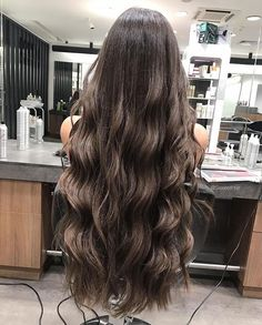 You might have heard the old expression about your hair being the crowning glory of your appearance. Either way, if you are looking for tips on how to style wavy hair, it is because yo… Bun Hairstyles For Long Hair, Pretty Hairstyles, Wavy Hair, Dyed Hair, Beautiful Long Hair, Gorgeous Hair, Very Long Hair, Hair Highlights, Hair Looks