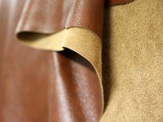 TEHDÄÄN HYVIN | HANDMADE QUALITY Työvaihe: Nahkavuota odottamassa leikkausta | Craft: Leather hide waiting for cutting  Tuotantolinja: Sohvat | Production line: Sofas  #pohjanmaan #pohjanmaankaluste #käsintehty