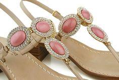 L'eleganza del corallo rosa..... de Dea Sandals Capri Style www.deasandals.com #caprisandals #sandaligioiello #sandalicapri #capri #island #summer #beach #colors #infradito #sandali #gioiello #fashion #outfit