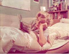 Ms. Marilyn Monroe reading Walt Whitman's Leaves of Grass