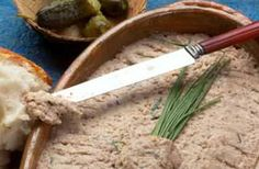Photo de la recette de Cretons de porc Valeur Nutritive, Charcuterie, Pork Recipes, Good Food, Appetizers, Meals, Cooking, Tableware, Kitchen