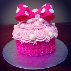 Minnie Mouse cupcake smash cake