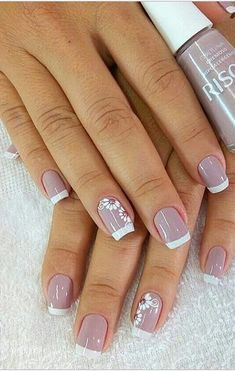 44 Stylish Manicure Ideas for 2019 Manicure: How to Do It Yourself at Home! Part manicure ideas; manicure ideas for short nails; French Manicure Nails, French Nails, Manicure And Pedicure, Manicure Ideas, Nail Deco, Cream Nails, Toe Nail Designs, Bridal Nails, Stylish Nails