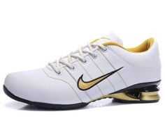 Chaussures Nike Shox R2 Blanc/ Noir/ Or [nike_12131] - €46.95 : Nike Chaussure Pas Cher,Nike Blazer and Timerland http://www.facebook.com/pages/Chaussures-nike-originaux/376807589058057