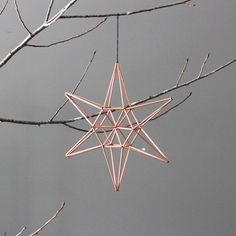 DIY with copper pipes christmas ornament - www. Gold Christmas, Winter Christmas, All Things Christmas, Christmas Holidays, Christmas Decorations, Christmas Ornaments, Diy Ornaments, Star Ornament, Christmas Inspiration