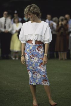 23 Rare Photos That Prove Princess Diana Was the Best-Dressed Royal. #WeCanDoit