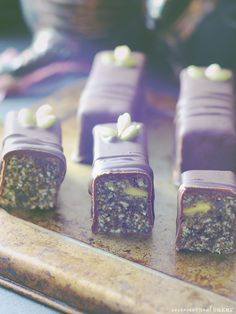 Magnesium Rich Raw Chocolate Bars {Naturally high in magnesium and free from: gluten & grains, dairy, nuts, and refined sugar}