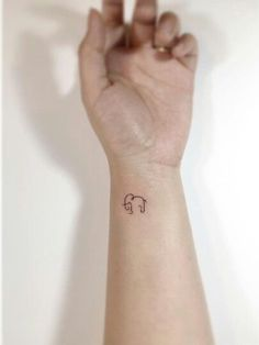 Resultado de imagen para tatuajes pequeños elefantes borde