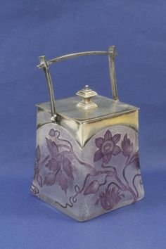 963: An Art Nouveau cameo glass biscuit barrel, 5.5in. : Lot 963
