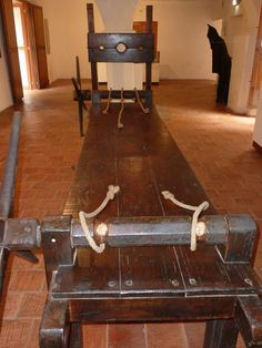 Top 10 Worst Medieval Torture Devices & Methods - video at this site Pena Capital, Dungeon Room, Fille Gangsta, Playroom Furniture, Red Rooms, Medieval Times, Dominatrix, Submissive, Entryway Tables