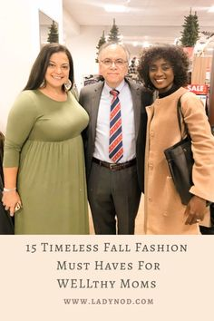 Fall reminds me to let go of the summer feels and dive into my closet for 15 timeless Fall fashion must haves for WELLthy Moms like myself. Mom Style Fall, Spring Fashion, Winter Fashion, Wife Mom Boss, Turtleneck T Shirt, Effortless Chic, African Fashion, Fashion Women, Basic Outfits