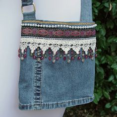 bolso de jean con un toque tejido..