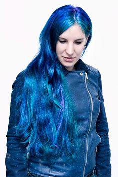 Bunte Farben - SchneePunzel - professionelle Haarverlängerungen und Dreadlocks Elegant, Blue Hair, Hair Extensions, Tie Dye, Dreadlocks, Women, Fashion, Professional Hair Extensions, Classy