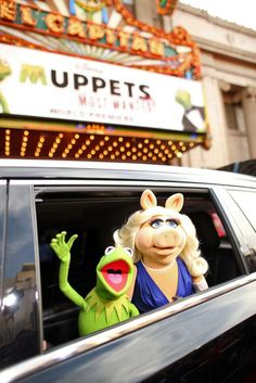 Kermit and Miss Piggy From the Muppets Most Wanted Premiere | Oh My Disney