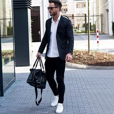 We've gathered our favorite ideas for Tips On What To Wear With Mens Black Jeans Men Health, Explore our list of popular images of Tips On What To Wear With Mens Black Jeans Men Health. Black Jeans Men, White Shirt Men, Crisp White Shirt, White Shirts, Black Pants Outfit, Blazer Outfits, Casual Outfits, Male Outfits, Mens Fashion Blog