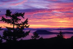 San Jaun Island, WA @ sunset. On our list of places to see!! One of my closest friends from Nebraska lives in WA & fulfilled this dream! Thanks Jill :)