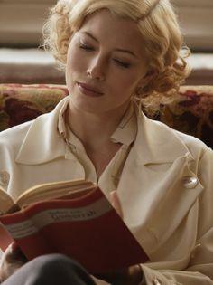 Jessica Biel as Larita Whittaker inEasy Virtue (2008).