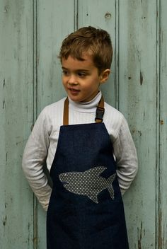 Boy's Denim Apron - Shark You know, for when Alex grows a little and wants to do some art with Auntie Drea. Freehand Machine Embroidery, Hand Embroidery Patterns, Sewing Kids Clothes, Sewing For Kids, Linen Apron, Apron Diy, Jean Apron, Cool Aprons, Sewing Aprons
