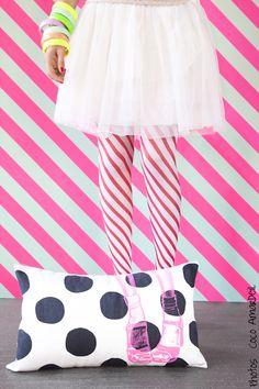 Coussin clogs pois / cushion neon clogs black dots - shoes - © la cerise sur le gâteau - Anne Hubert - photo : Coco Amardeil