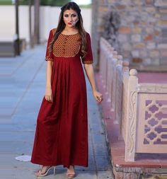 Salwar Designs, Kurti Neck Designs, Kurta Designs Women, Ethnic Outfits, Indian Outfits, Dress Neck Designs, Blouse Designs, Indian Designer Wear, Cotton Dresses
