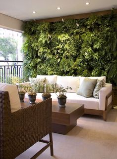 40 Beautiful Living Green Walls You Can Copy Feed your design ideas with these beautful green wall designs. 40 living green wall ideas you can copy now. Green Living, House Design, Outdoor Decor, Decor, Balcony Decor, Living Green Walls, Home, Outdoor Spaces, Beautiful Living