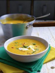 Das Rezept für Karotten-Ingwer-Orangen-Suppe und weitere kostenlose Rezepte auf LECKER.de