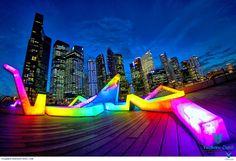 Lễ hội nghệ thuậthàng đầu quốc gia là sự kiện kéo dài một tháng nhằm giới thiệu các tác phẩm xuất sắc đến từ Singapore cũng như khắp nơi trên thế giới. Với một tuyển tập đa dạng gồm hơn 75 tiết mục, chắc chắn tất cả moi người đều có thể chọn cho mình những tiết mục yêu thích.  ... Xem thêm: http://singaporesensetravel.com/le-hoi-nghe-thuat-singapore--niem-dam-me-cua-nguoi-singapore-n.html
