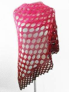 Bubble Gum Shawl CAL/KAL and free crochet pattern in English, German and French by Katja Löffler.