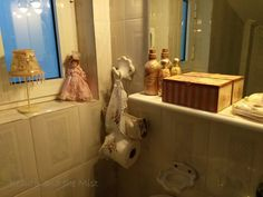 Tips for Making Your Bathroom an Inviting Place for Guests - Beauty and the Mist Sanitary Napkin, Toilet Bowl, Small Boxes, Mists, Make It Yourself, Interior Design, Bathroom, Beauty, Little Boxes