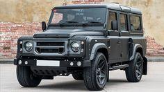 Il Land Rover Defender non vuole abbandonarci. Ai molti appassionati del fuoristrada inglese simbolo dell'off-road sicuramente non dispiacerà,.