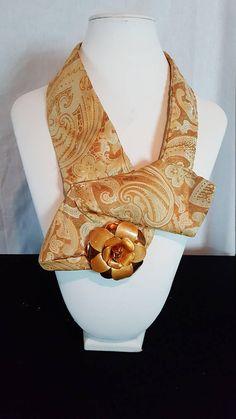 Handsewn ketting gemaakt van een stropdas