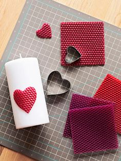 Valentines Day Candles: Use Pillar candles, sheets of colored beeswax (from a crafts store), and heart-shaped cookie cutters. Push cutters into sheets to create hearts; press hearts onto candles. Valentine Love, Homemade Valentines, Valentine Day Crafts, Beeswax Candles, Diy Candles, Pillar Candles, White Candles, Bougie Candle, Candle Craft