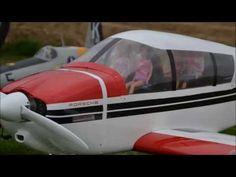"""Video vom jährlichen """"Anfliegen"""" (2013) in Korschenbroich (NRW), bei dem RC Helikopterpiloten und Flugzeugpiloten ihr  Können zeigen. --- www.feenfluegeltv.de"""