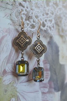 Vintage glass irridescent gem earrings by Purrrls on Etsy