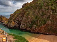 Things to do in Peniche – enjoy the relaxing Berlenga Grande beach.  #portugal #peniche #berlengas #beach
