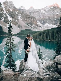 20 dreamy wedding photos from mountain weddings - Braut - Hochzeit Wedding Destination, Wedding Venues, Wedding Ideas, Wedding Planner, Wedding Decorations, Wedding Favors, Wedding Ceremony, Wedding Invitations, Perfect Wedding