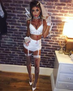 Halloween Costume Ideas That Are Guaranteed To Impress Dead Bride Costume, Halloween Costumes Women Scary, Halloween Outfits, Halloween Diy, Zombie Bride Costume, Dark Angel Halloween Costume, Devil Costume, Zombie Costume Women, Fancy Dress Costumes For Women